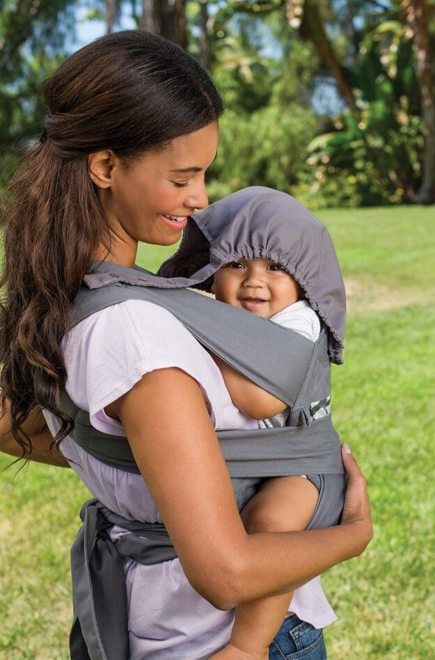 Breastfeeding-In-Infantino-Carrier